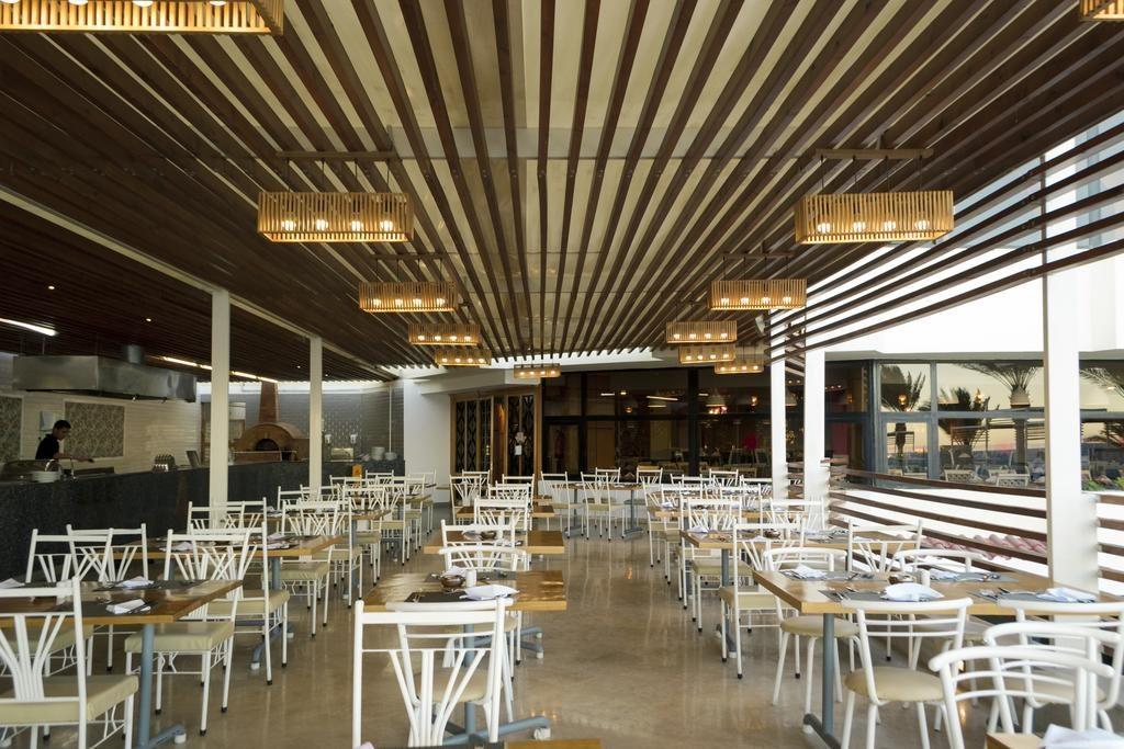 مطعم صن رايز هوليدايز