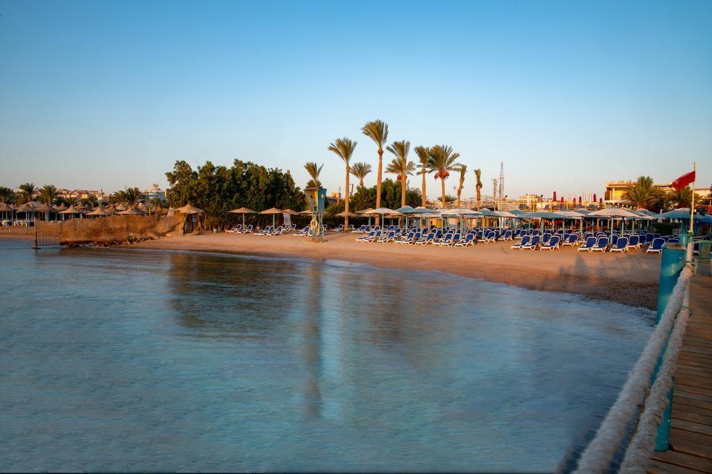 شاطئ مينا مارك